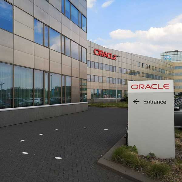 Oracle smart building office smartocker metra